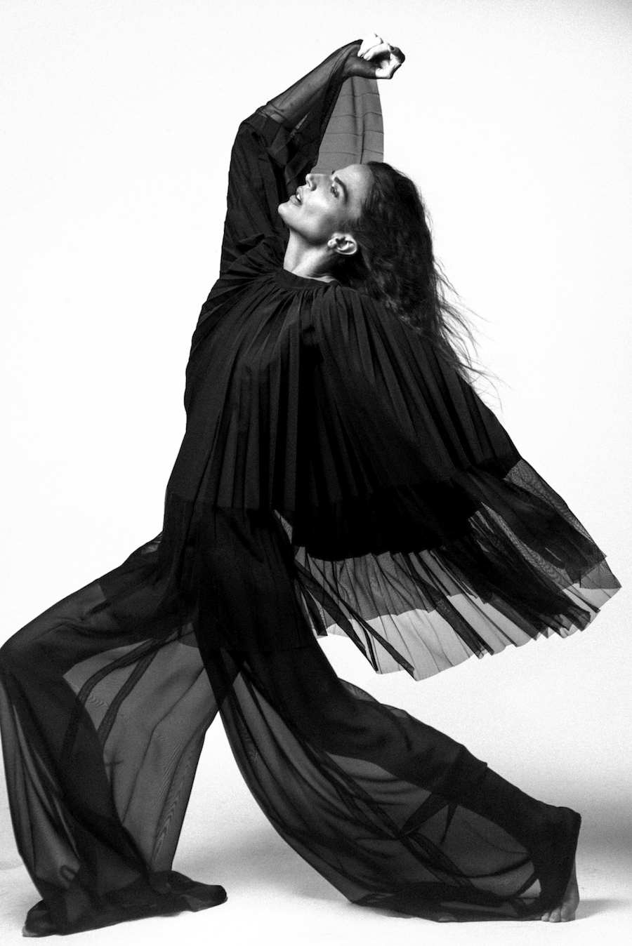 Midikennov top model Helena Šopar za naslovnicu magazina Elle